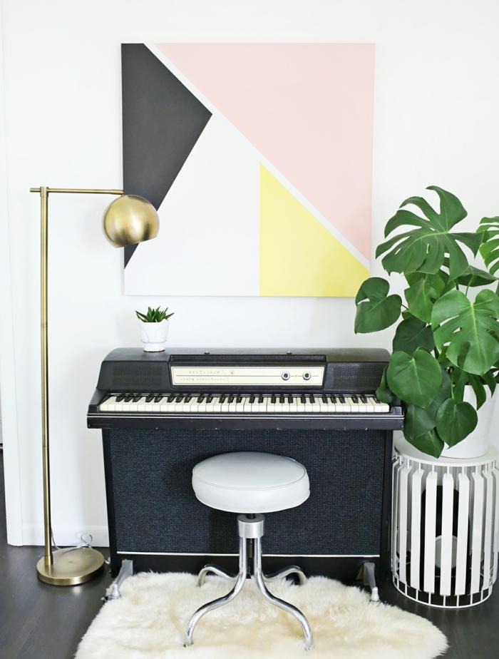 DIY déco chambre, peinture sur toile abstraite, motifs géométriques de couleurs diverses, déco murale inspirante, piano, tabouret, plante, tapis blanc et lampe