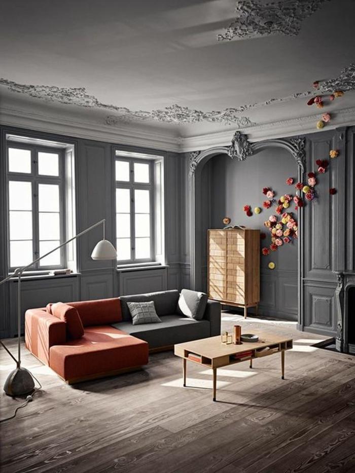 intérieur minimaliste, sofa modulable, peinture murale grise, buffet vintage