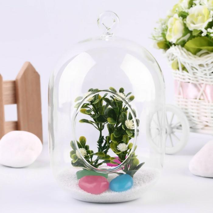 terrarium suspendu, boule en verre à suspendre, cailloux plastiques, plante en bocal fermé