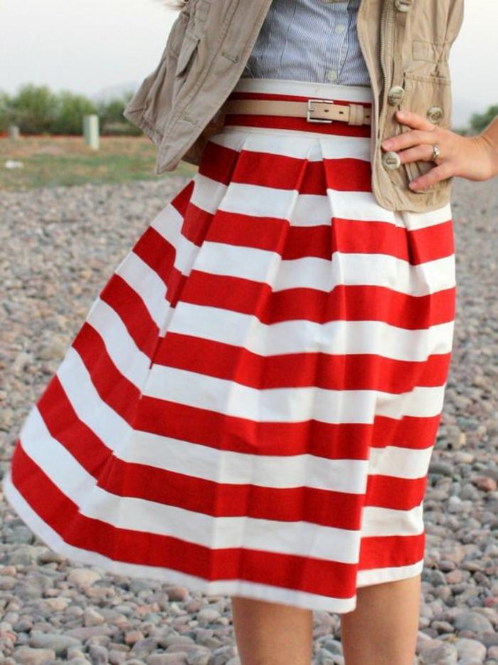 jupe trapèze longue à rayures horizontales rouges et blanches