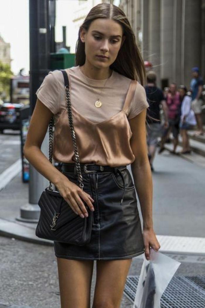 jupe femme trapèze avec fine ceinture noire