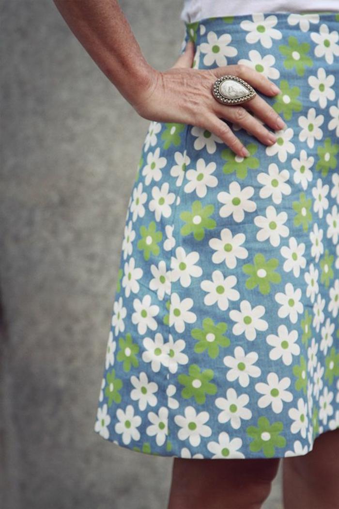 jupe trapeze mi longue aux fleurs pastels