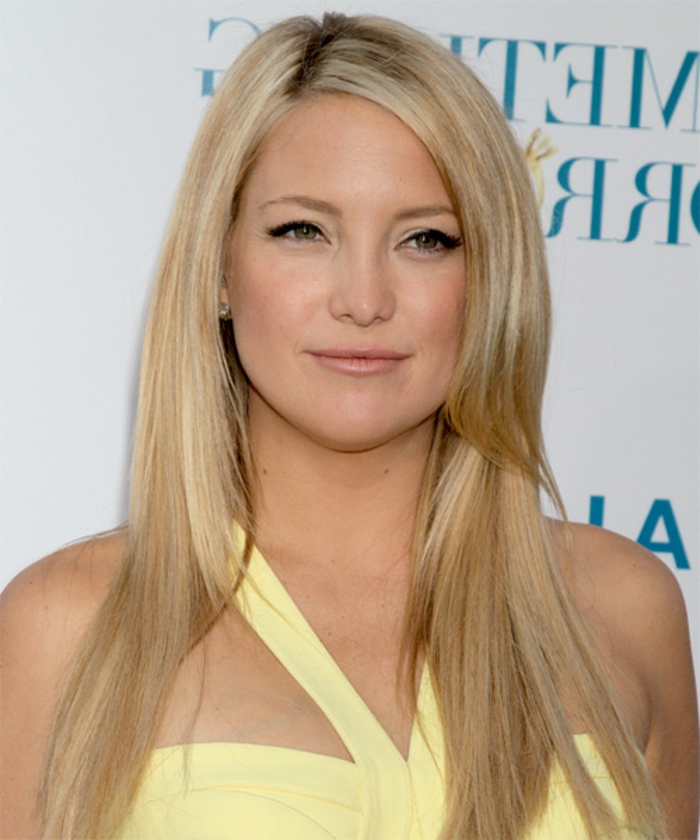 kate houdson, coupe pour visage carré, cheveux lisses dégradé, blonde, idée coupe de cheveux d apres la forme du visage