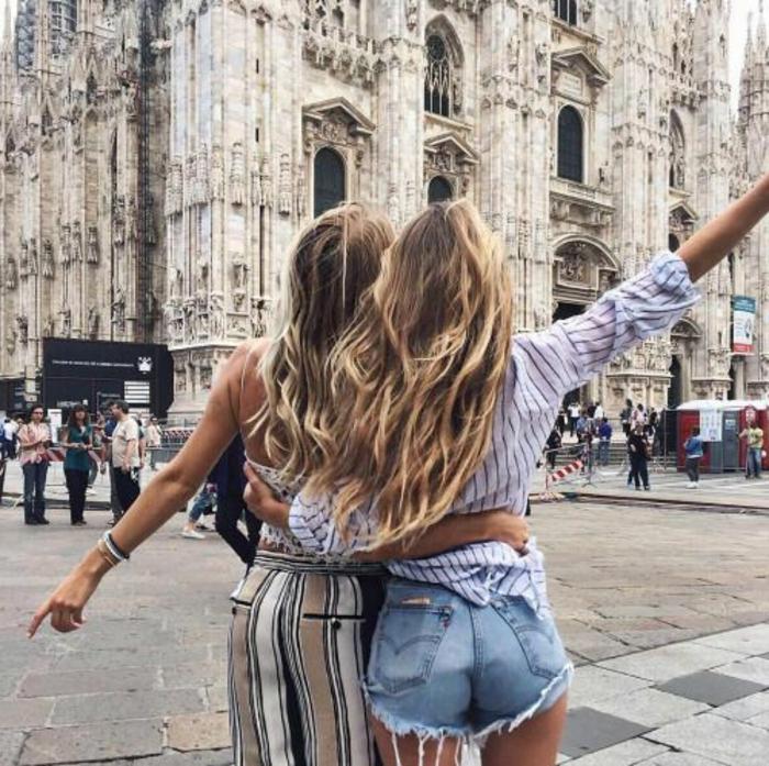 Comment s habiller au printemps idée pour les femmes bien habillées amies à Milan