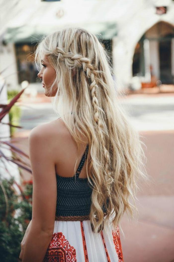Superbe coiffures bohemes coiffure 2017 printemps tresse à côté