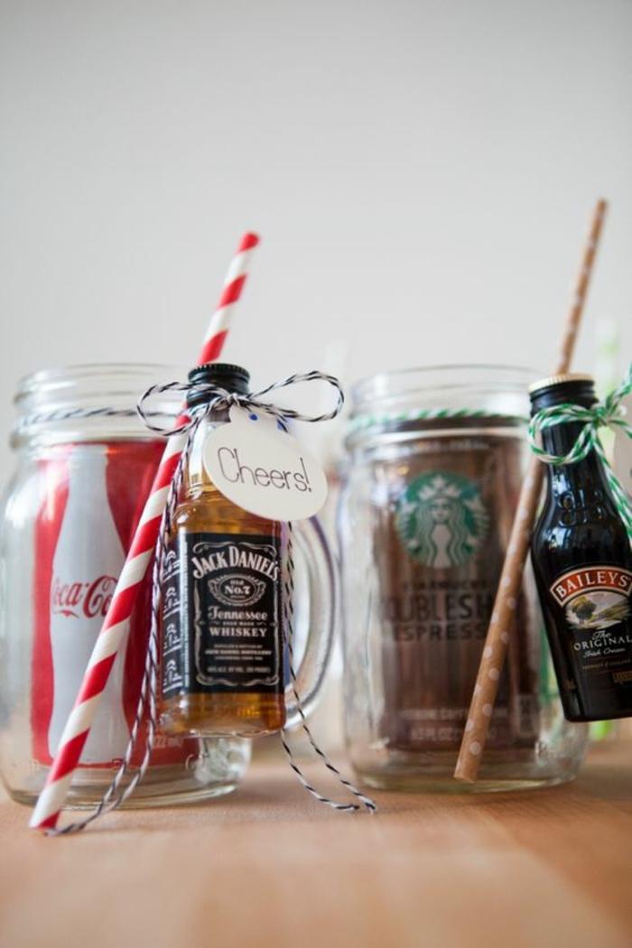 Petit cadeau a faire soi meme pour les invités anniversaire coca cola et whisky
