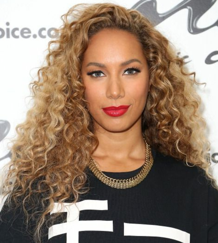 leona lewis, cheveux frisés, balayage, comment choisir sa coupe de cheveux, morpho coiffure, cheveux longs