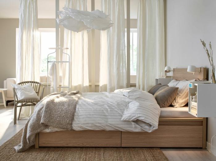 matelas nid douillet, plaid en fausse fourrure, nuage en papier diy, rideaux longs