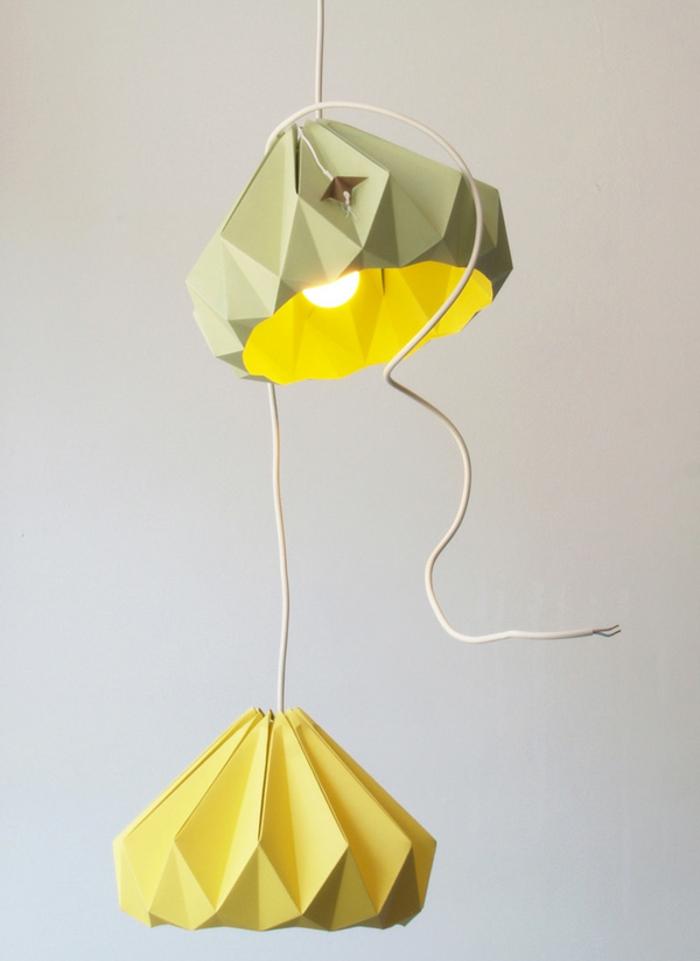 luminaire fait maison, lampe vert et jaune, corde électrique, décoration diy