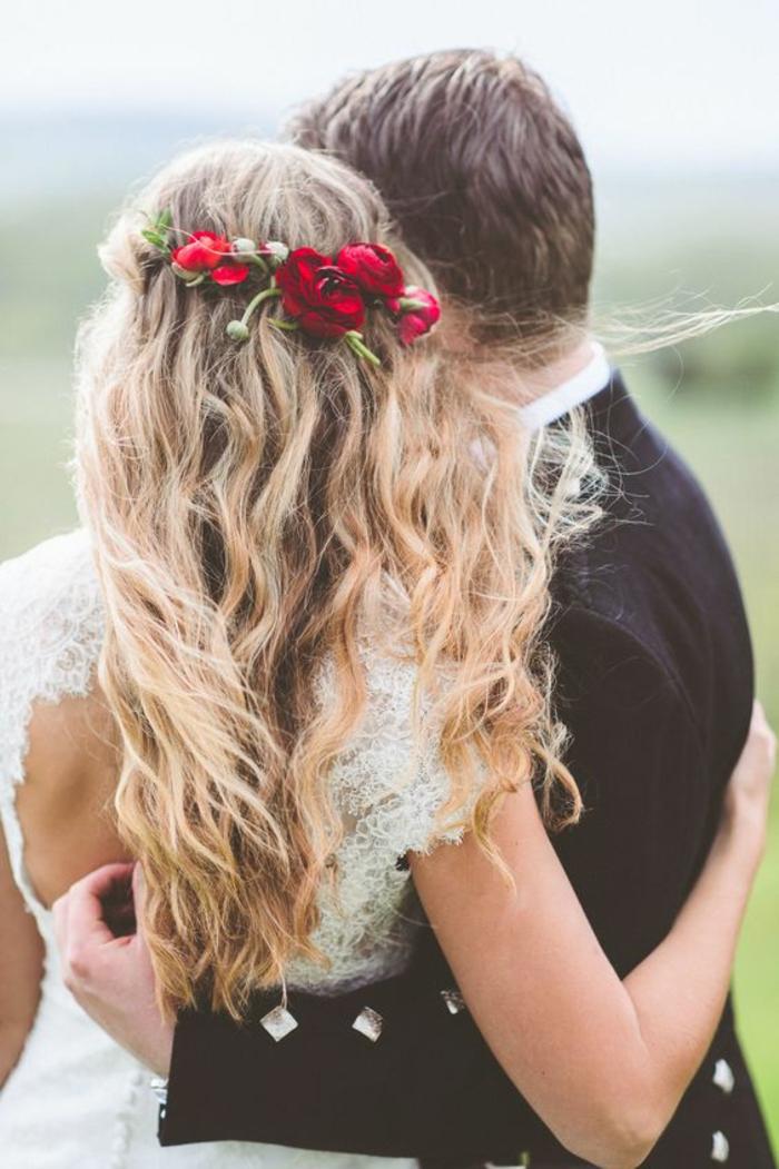 Belle coiffure mariage boheme idée de coiffure mariée avec couronne de tresse
