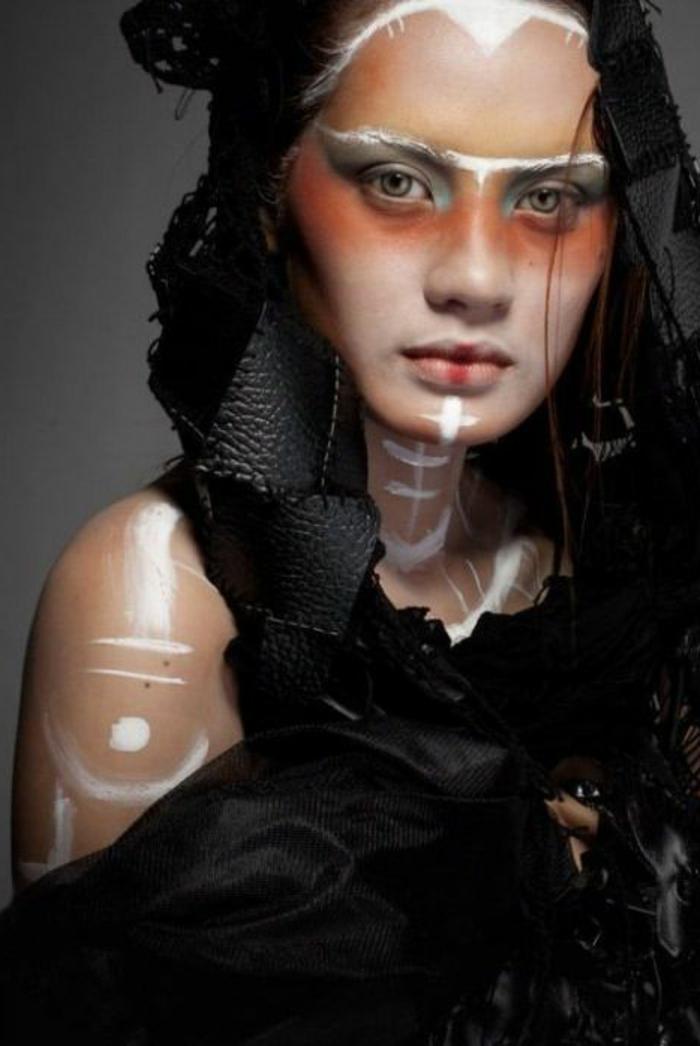 maquillage-indienne-femme-outfit-noir-peinture-blanche-et-rouge