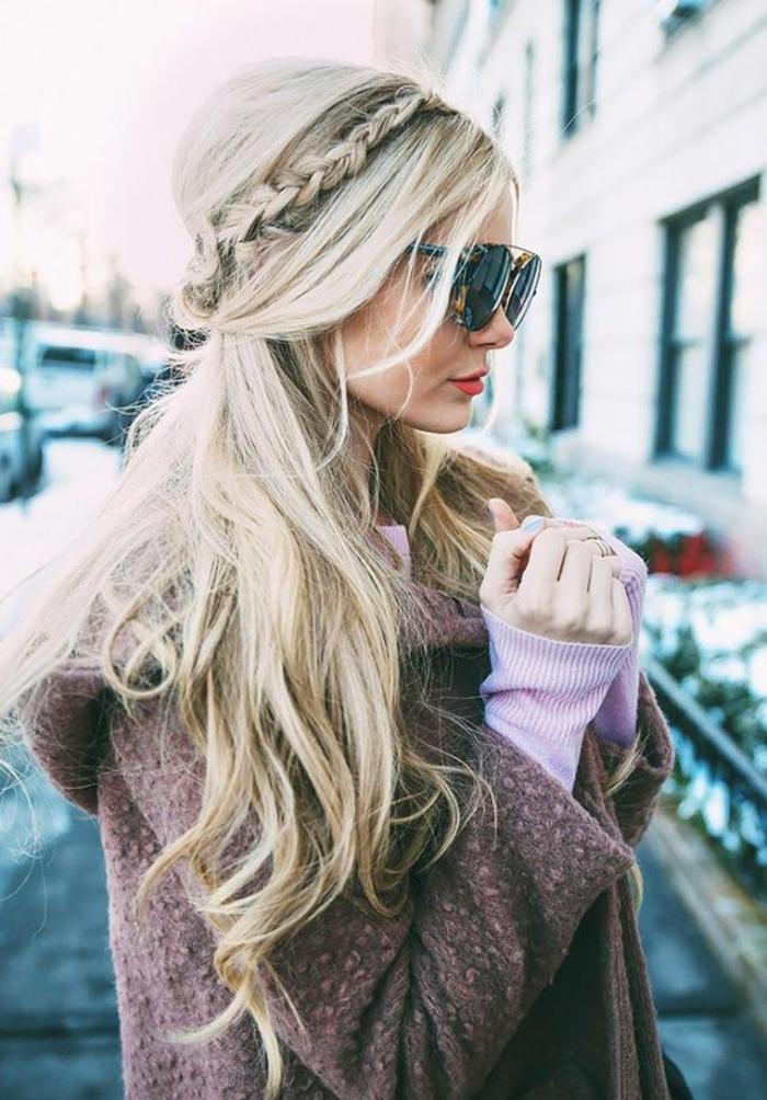 Mariage coiffure mariee boheme chic coiffure attachée longs cheveux blonde femme