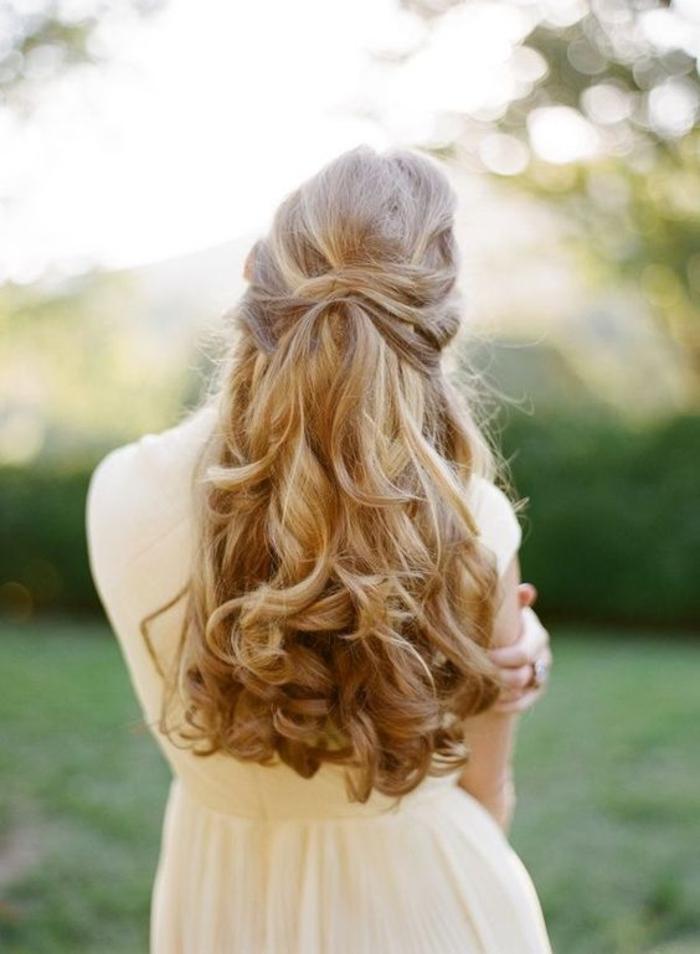 Chic boheme coiffure idée coiffure facile inspiration longs boucles