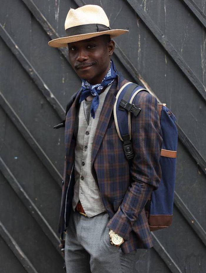 comment porter un bandana bleu pour homme