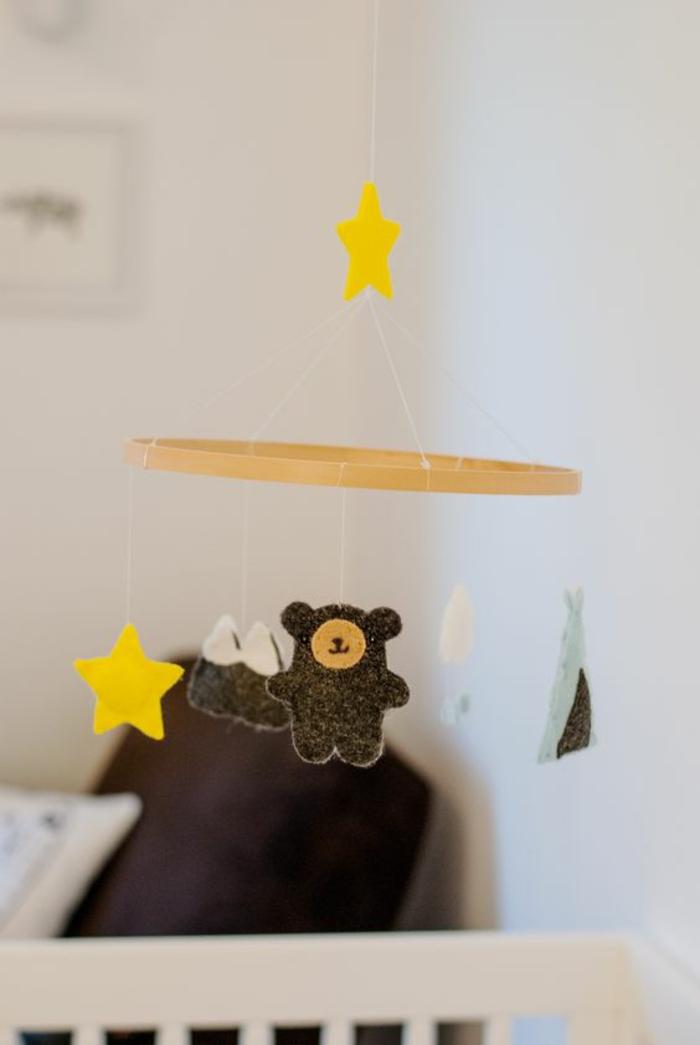 mobile en bois pour bb animal loading zoom mobile bb pour voiture ou chambre suite et fin. Black Bedroom Furniture Sets. Home Design Ideas