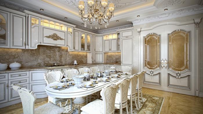 meubles de charme, lustre en cristaux, plafond avec déco en plâtre, dosseret en marbre, décoration baroque