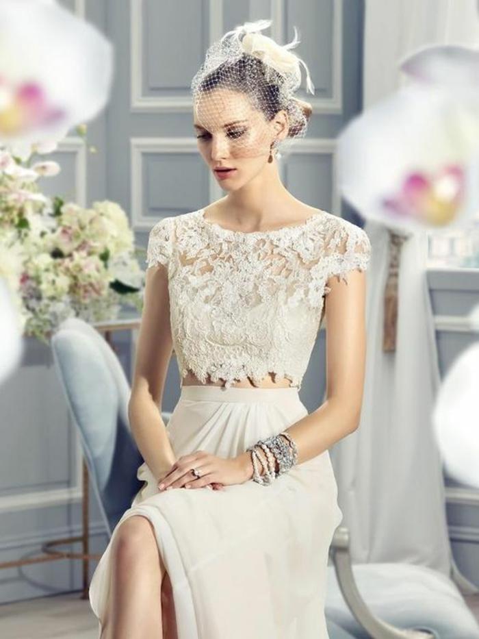 choisir un modèle de robe de mariée non traditionnelle en deux pièces, robe de mariée simple et chic, haut en dentelle