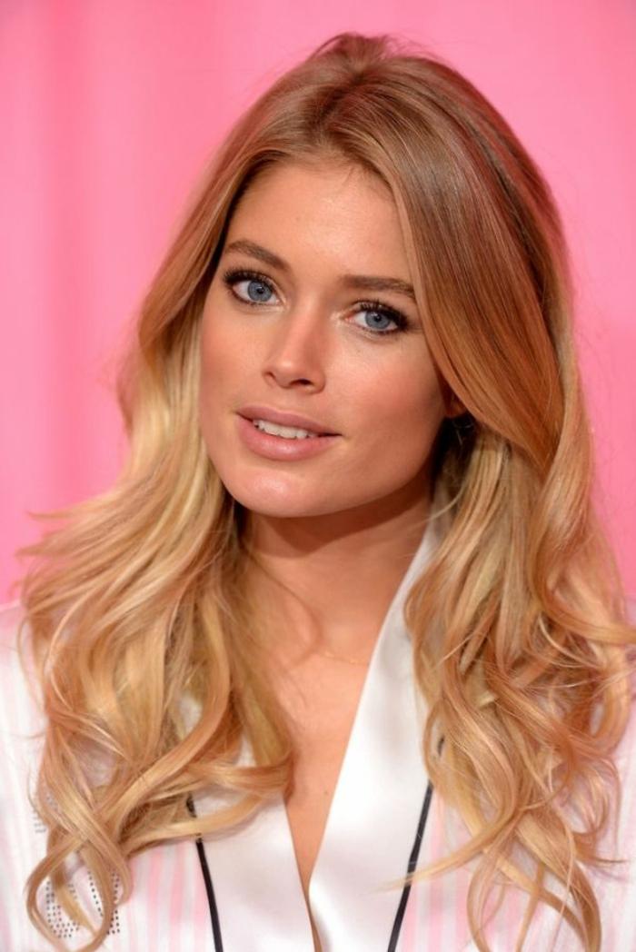 modele de coupe de cheveux visage ovale, coupe dégradé long avec boucles, doutzen kroes, morpho coiffure,