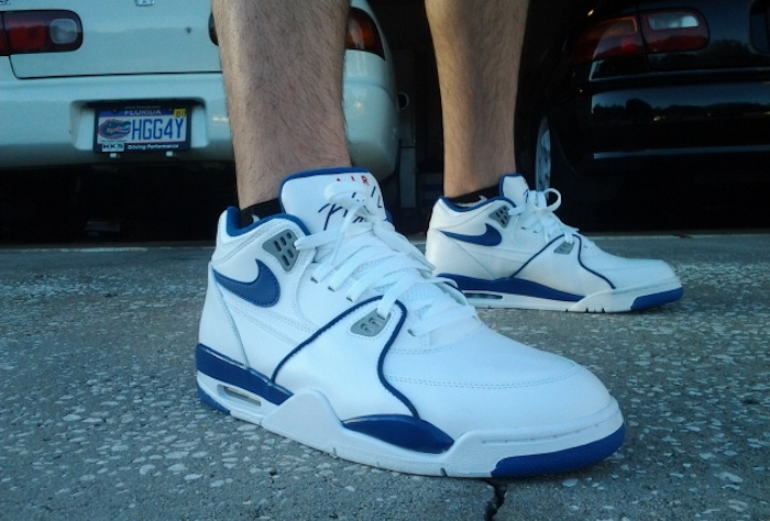 chaussure montante homme nike montant air flight 89 blanc bleu vintage