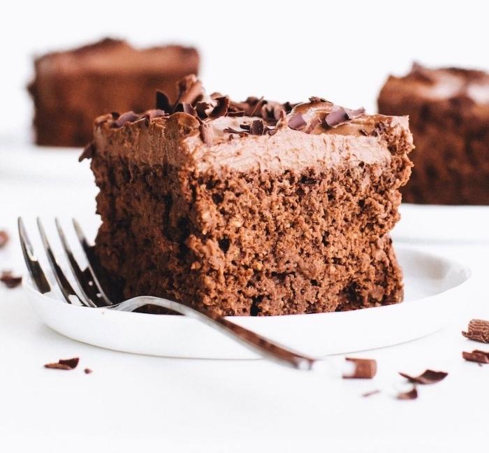 comment remplacer les oeufs dans un dessert, idée gâteau sans oeufs facile et rapide, exemple dessert au chocolat et noix