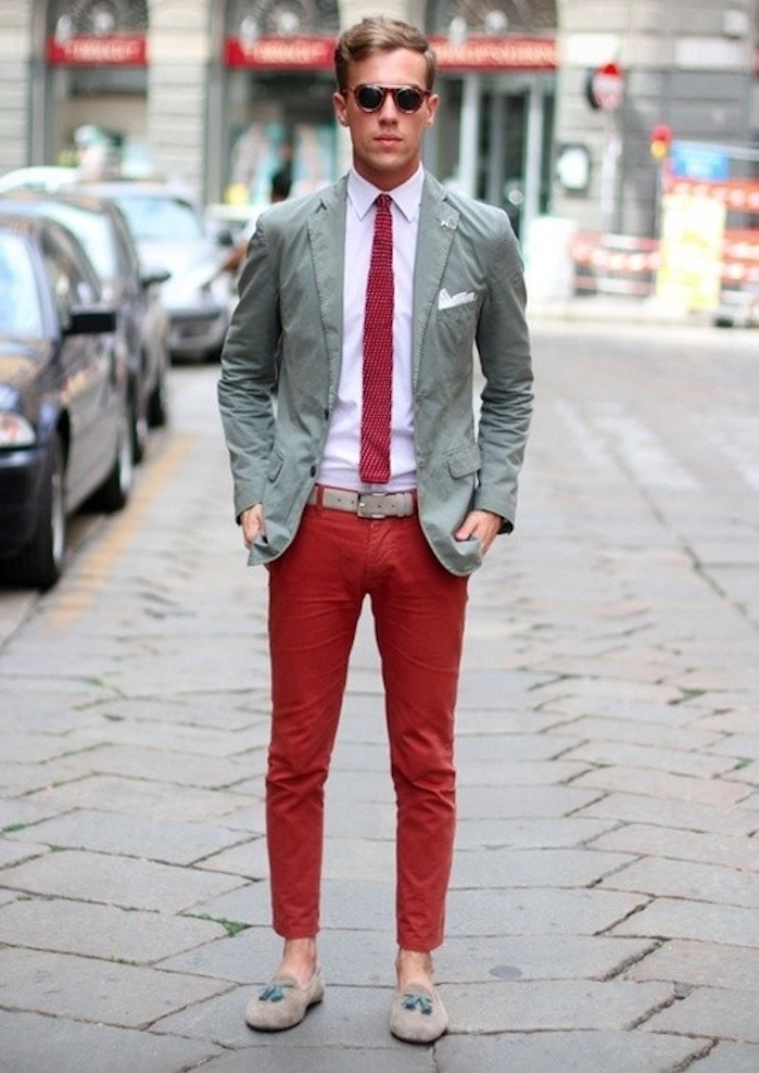 comment porter pantalon rouge homme chinos cravate
