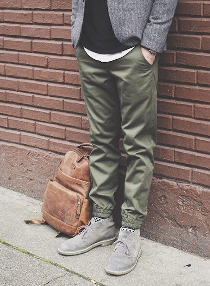 pantalon serré en bas homme style chinos kaki