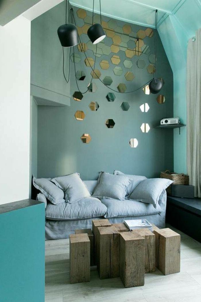 peinture bleu canard, table basse modulable en bois, sofa gris