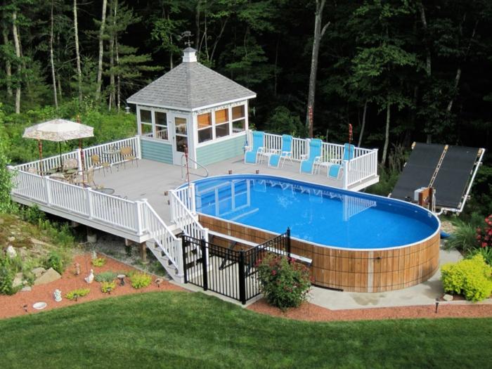 piscine hors sol bois, terrasse de piscine en bois, rampes blanches, grand jardin