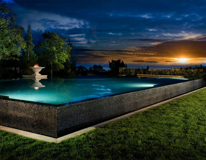 1001 conceptions cr atives pour une piscine sur lev e - Piscine mosaique prix ...