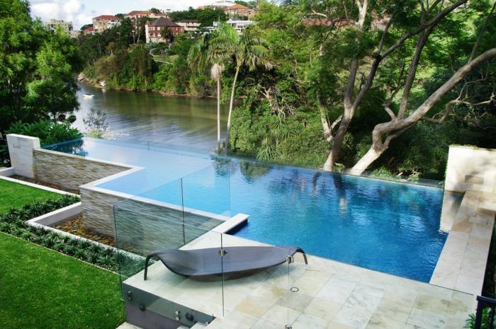 piscine surélevée, clôture en verre, ray grass gazon, piscine hors sol profonde