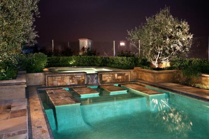 piscine hors sol, éclairage de piscine, jardin vert, piscine surélevée