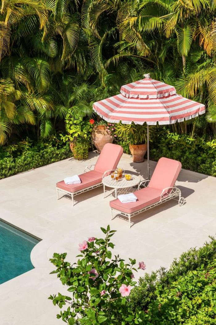 joli patio avec piscine, idées d'aménagement d'un entourage piscine
