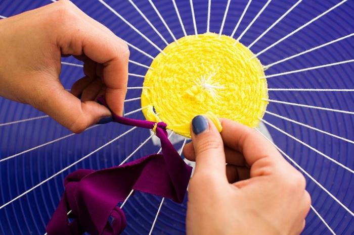 tuto pouf, bandeau jaune, bandeau violette, manucure bleu, vaisselle en plastique
