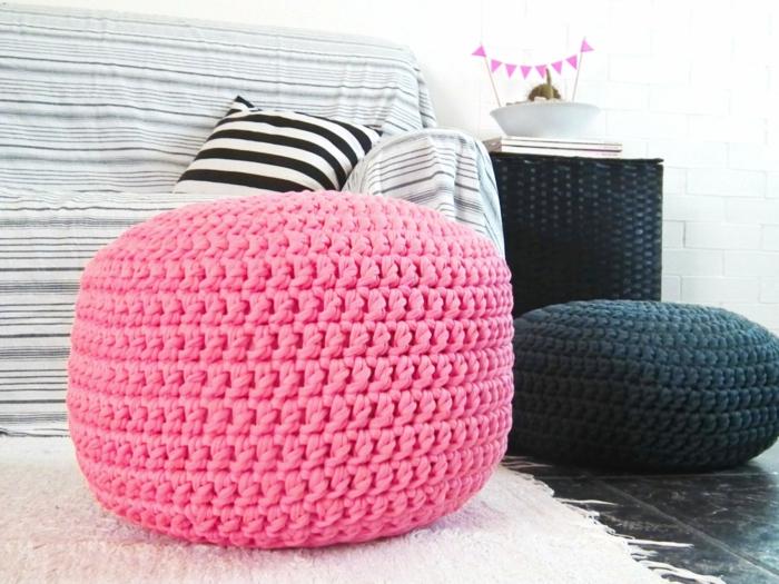 pouffe geant, décoration d'intérieur, canapé carré, tapis moelleux