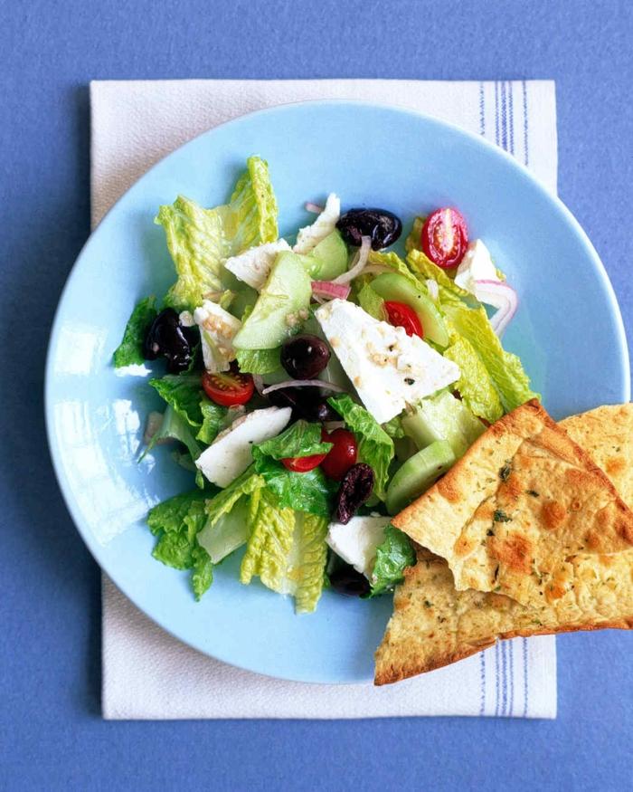 Salades composées originales pour buffet laitue et pain arabe