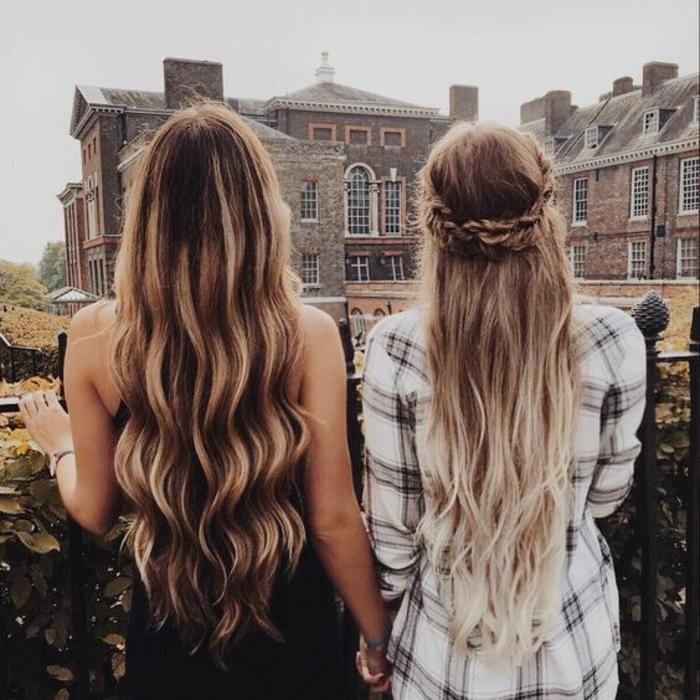 Chignon sur le coté coiffure style bohème amies