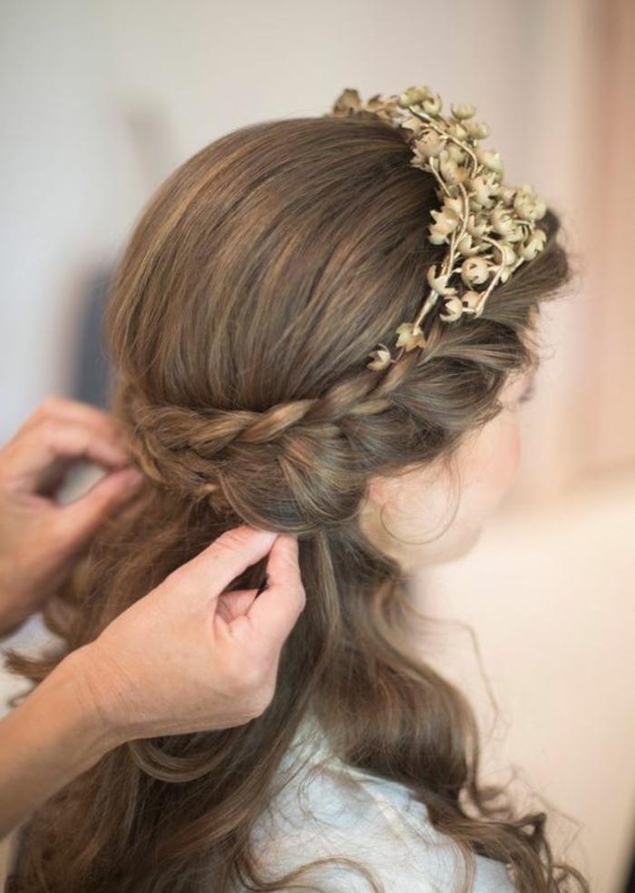 Jolie coiffure boheme mariage accessoire boheme fleurs