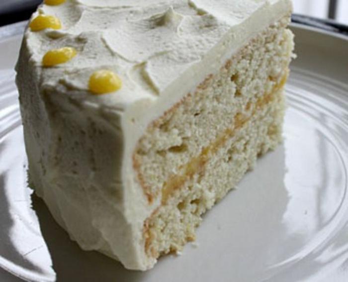 recette gateau sans oeufs, dessert avec farine et sans oeufs, glaçade crème