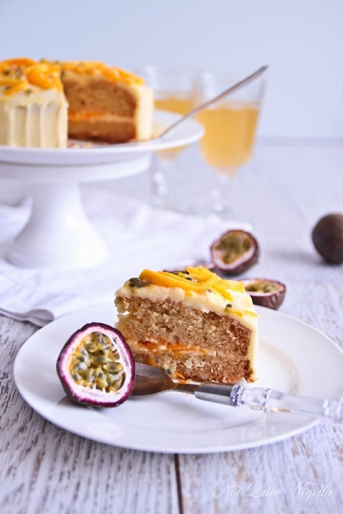 gateau sans oeuf sans lait, recette facile et rapide pour faire un gâteau végétalien, dessert avec compote et fruits