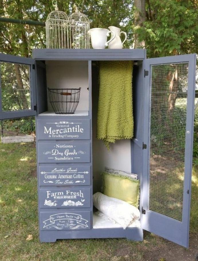 repeindre un meuble, idée comment relooker armoire ancienne, peinture gris anthracite, grillage, penderie et armoires