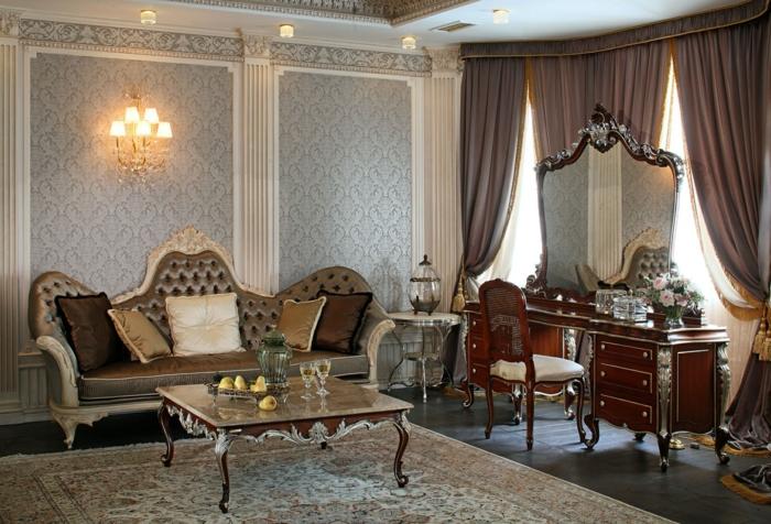 décoration baroque, tapis beige, parquet en bois foncé, papier peint gris, colonnes décoratives
