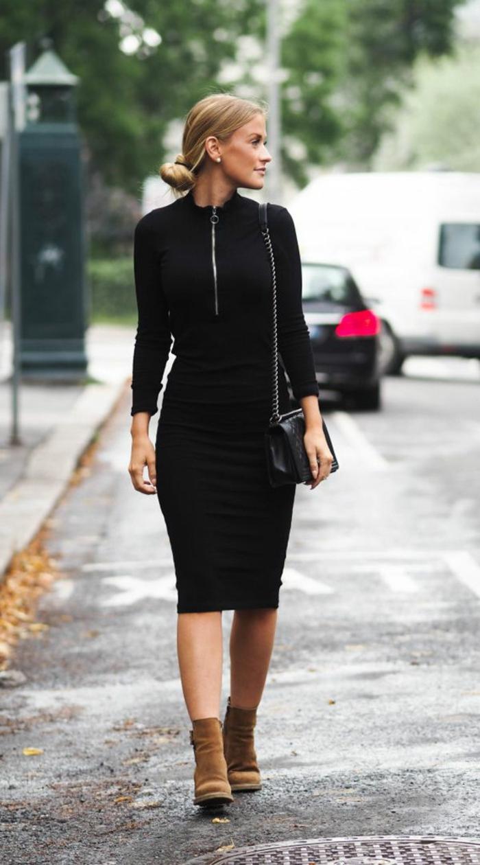 s habiller en noir, robe noire à longueur genoux avec fermeture éclair, bottes en velours