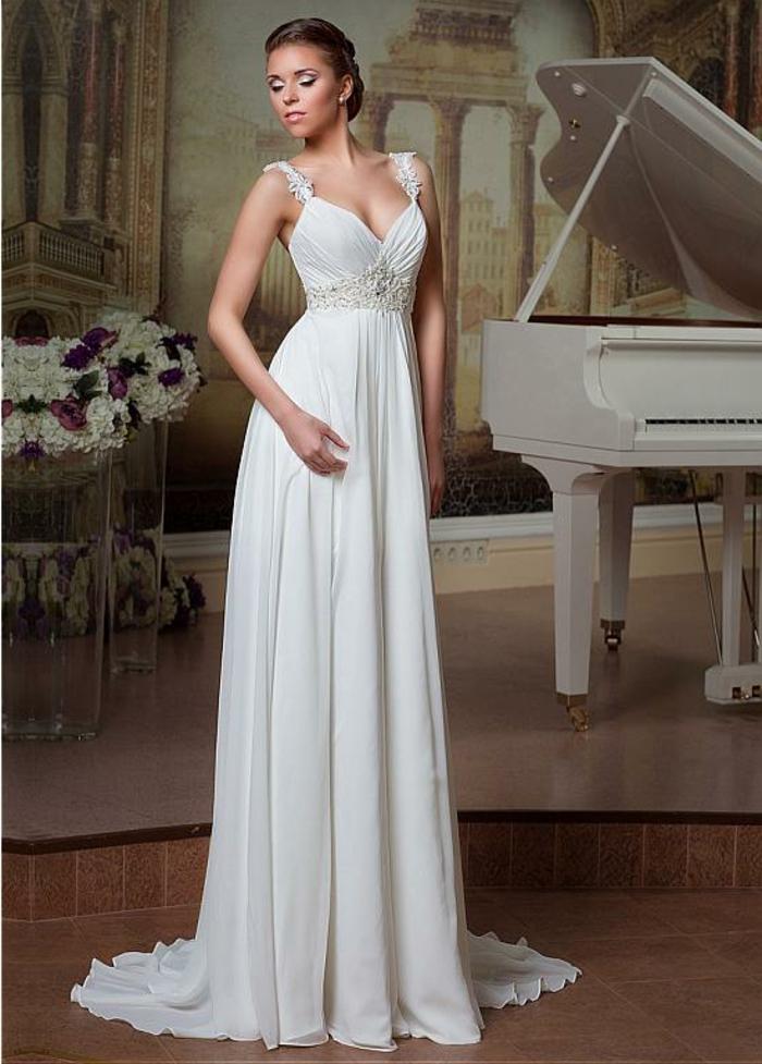 robe de mariée grecque, bretelles en guipure, jupe en haute taille avec ceinture en dentelle