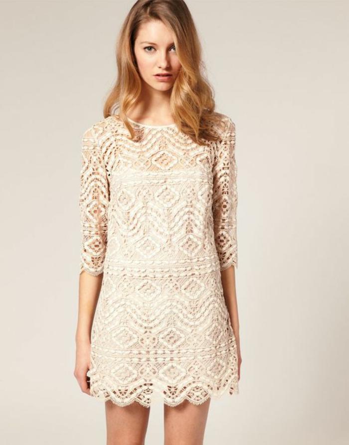 robe de mariée courte dentelle couleur champagne