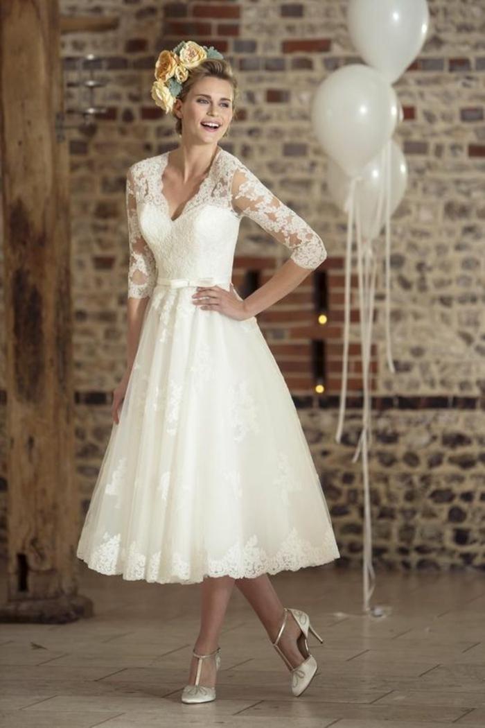 robe de mariée courte dentelle à manches longues, robe évasée au style rétro