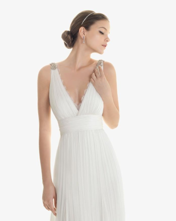 deesse grecque, robe de mariée blanche, décolleté en V, bretelles en dentelle, ceinture en organza