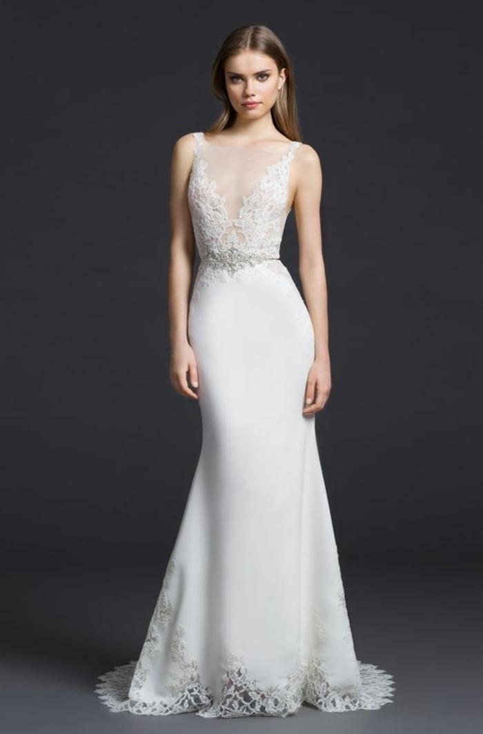 une robe de mariée simple et chic, détails en dentelle, haut en dentelle à encolure en v
