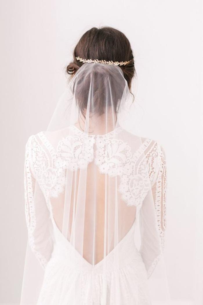 joli accessoire mariage en laiton et voile nuptial délicat