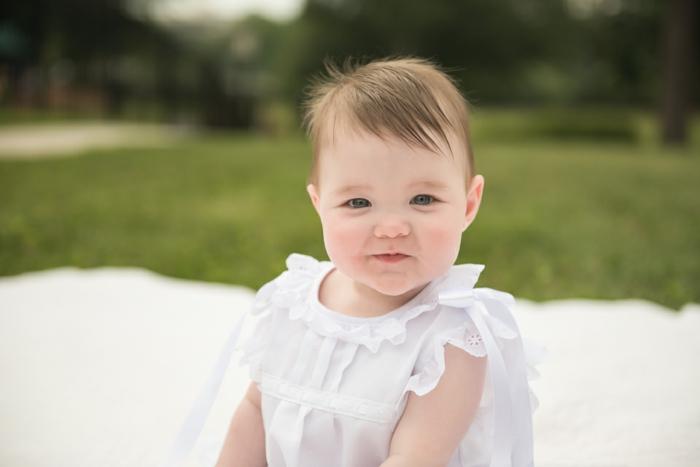 comment s habiller pour un bapteme, robe blanche bébé, nature, vetement bapteme