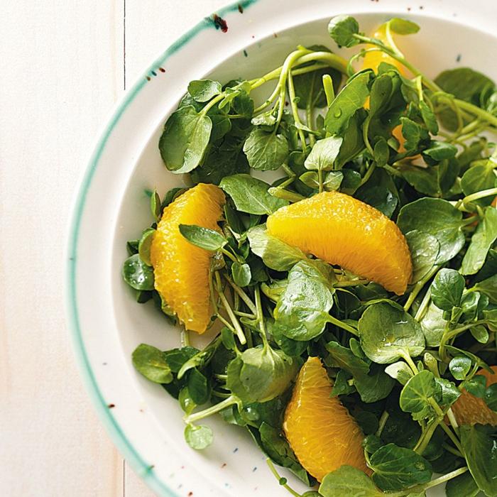 salade cresson et oranges, idée de recette de paques facile, salade verte printemps, fruits légumes